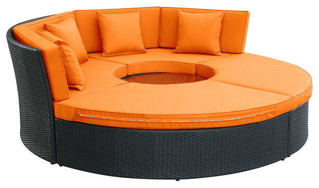 Pursuit circular outdoor patio daybed set contemporary for Cheap modern garden furniture uk