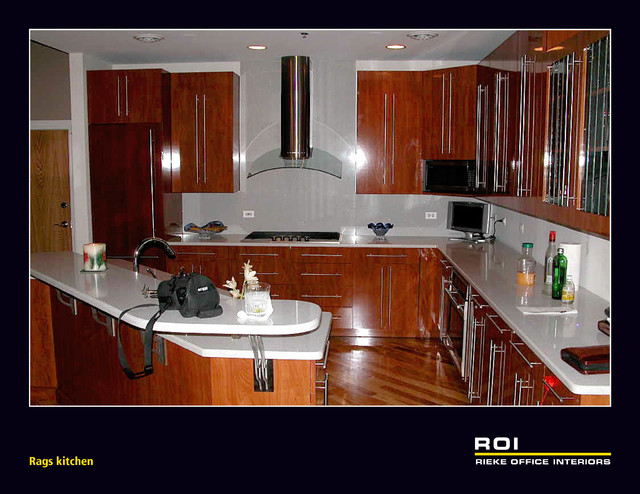 custom kitchen with high gloss and soft close chicago