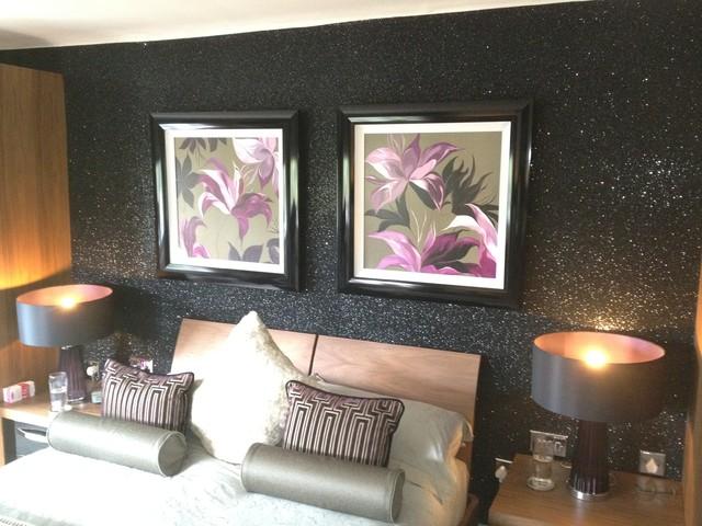 Glitter wallpaper glitter wallcovering contemporary for Glitter wallpaper bedroom ideas
