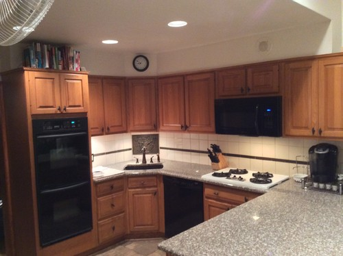 Help honey oak kitchen black appliances for Kitchen paint colors with oak cabinets and stainless steel appliances