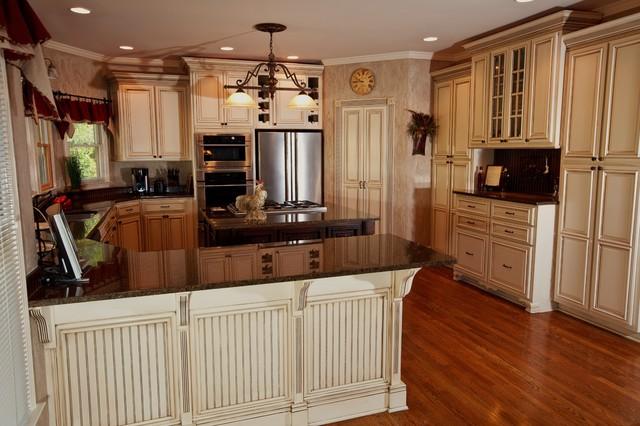Glazed Kitchen Cabinets - atlanta - by Kbwalls