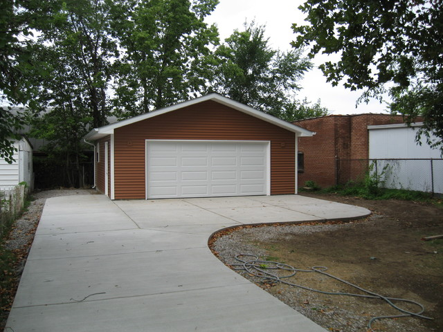 Detached garage driveway st louis by benhardt for Cost to build a garage st louis