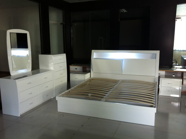 Modern high gloss wood bedroom furniture for High gloss bedroom furniture
