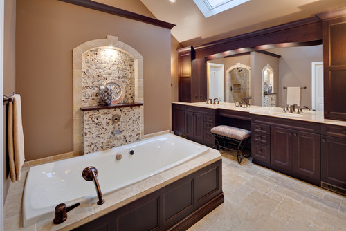 Mediterranean Bathroom Colors: What Color Are The Tub And Sinks?