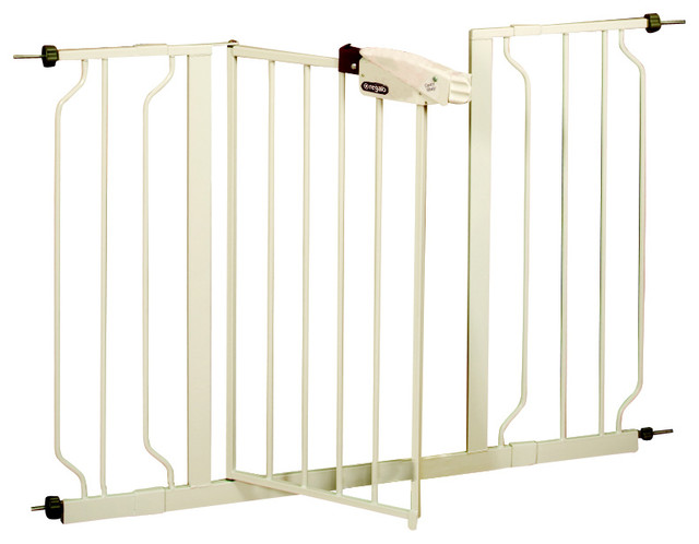Regalo Extra Wide Easy Step Gate Contemporary Baby