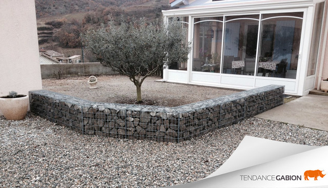 Muret d coratif en gabion contemporain terrasse et for Decoration jardin gabion