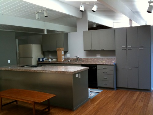 Yes you can paint a formica kitchen for Can you paint formica kitchen cabinets