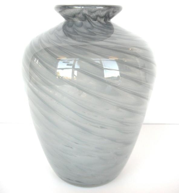 Small grey vase modern vases perth by orno for Decoration vases modern