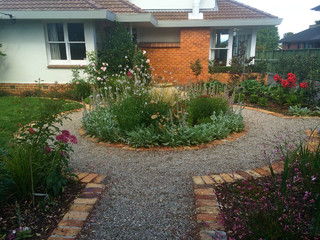 Epsom garden rustic auckland by kirsten sach for Landscaping rocks auckland