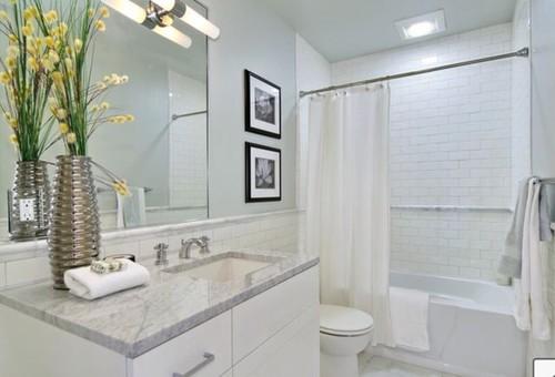 Matte or gloss tile bathroom for Matte bathroom tiles