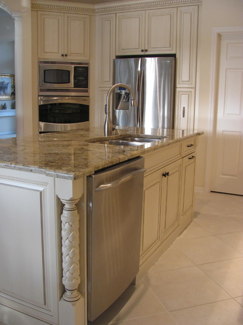 Custom painted cabinets, Lakewood Raunch