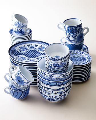 Traditional Blue Amp White Dinnerware Traditional