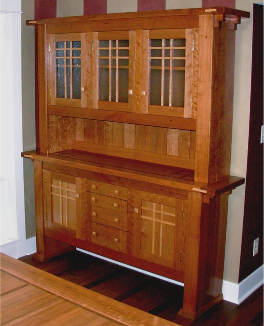 Dining room hutch craftsman china cabinets and hutches for Dining room hutch design