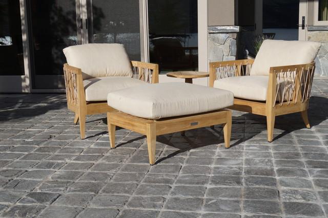 Kelowna lakeshore property other metro by lebah villas for Outdoor furniture kelowna