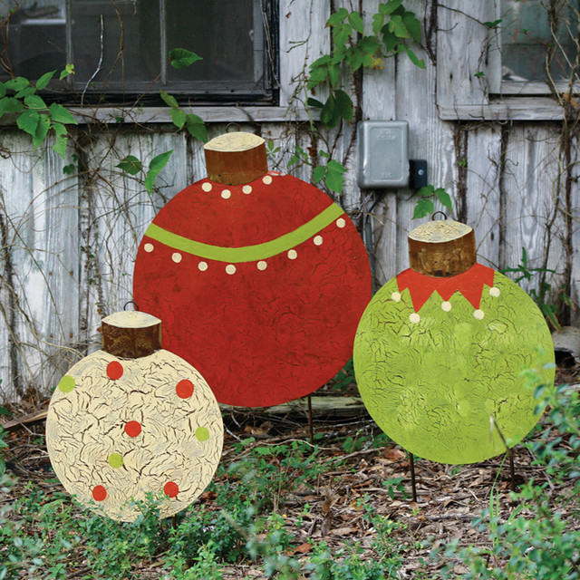 Christmas ball yard stakes set of 3 traditional Traditional outdoor christmas decorations
