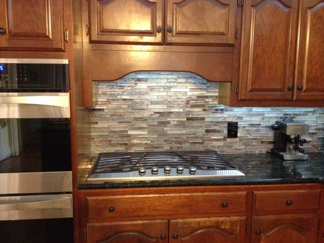 Floreste Verde Granite amp Glass Mosaic Backsplash