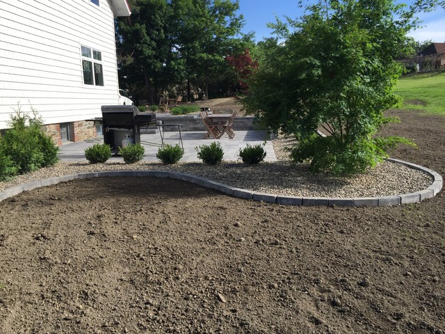 Country farmhouse simple landscape hardscape for Country farm simples