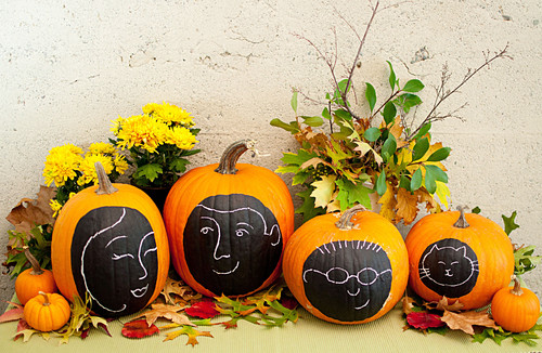 Cheap DIY Fall Decorating Ideas - pumpkin faces