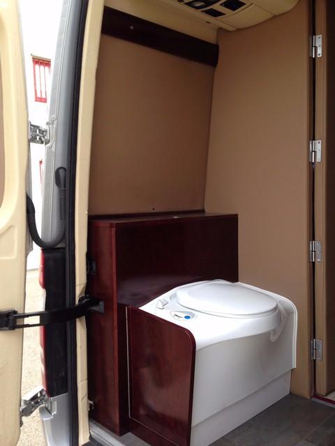 Muebles a medida para furgonetas tipo camper aparadores for Muebles para furgonetas