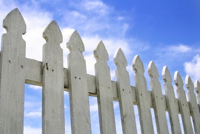 12 inch picket fence 3