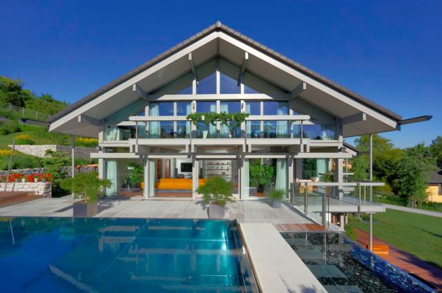 Modernes luxushaus mit pool for Modernes luxushaus