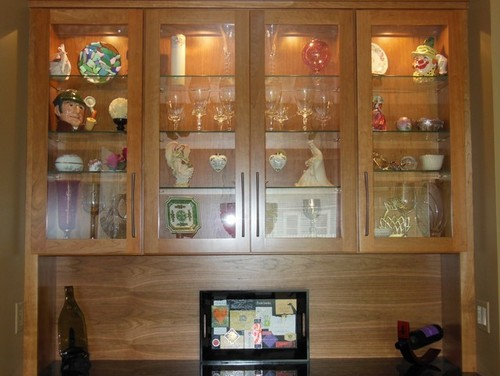 what to put in a china cabinet 2
