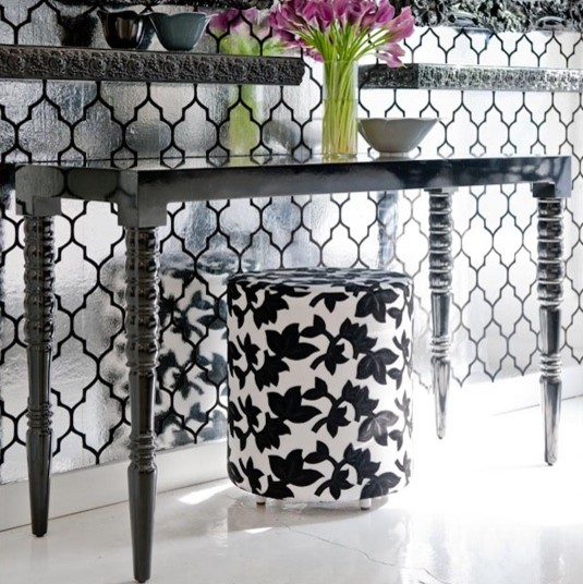 Turned Leg Console High Gloss Black Contemporary Side
