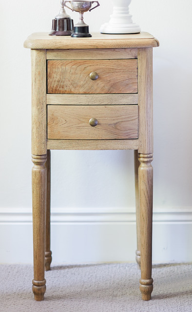 Nightstand Table: Small Oak Bedside Table