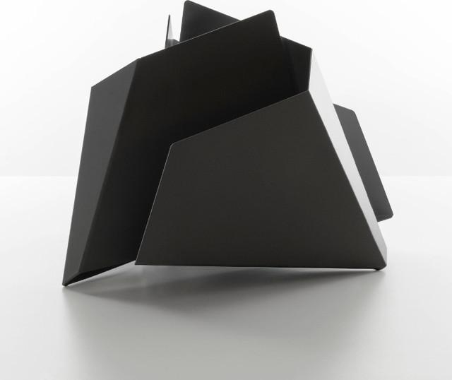 triskelion zeitschriftenst nder schwarz danese milano modern magazine racks by found4you. Black Bedroom Furniture Sets. Home Design Ideas