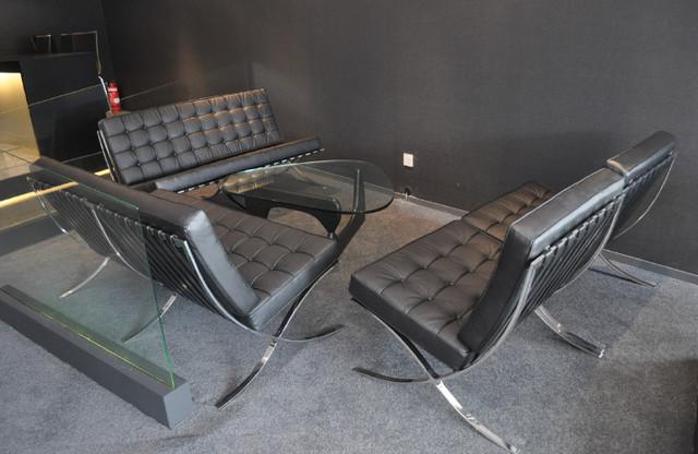 Barcelona sofa midcentury chaise longue by emfurn for Chaise longue barcelona