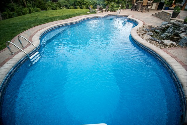 Pittsburgh pool designs other metro by pittsburgh for Pool design houzz
