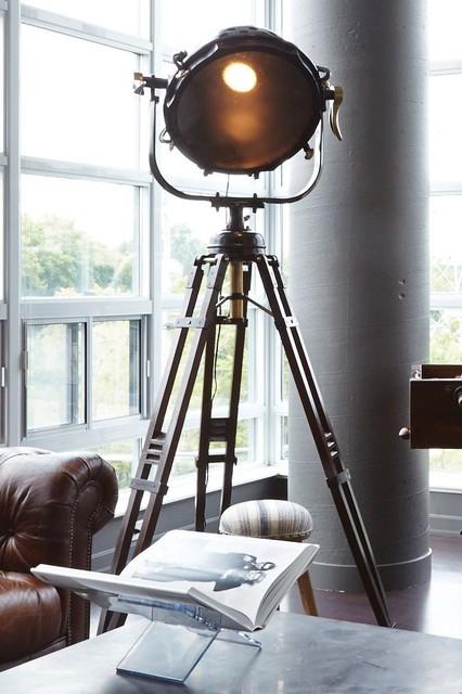 Toronto loft industriel lampadaire int rieur toronto par elte - Eclairage loft industriel ...