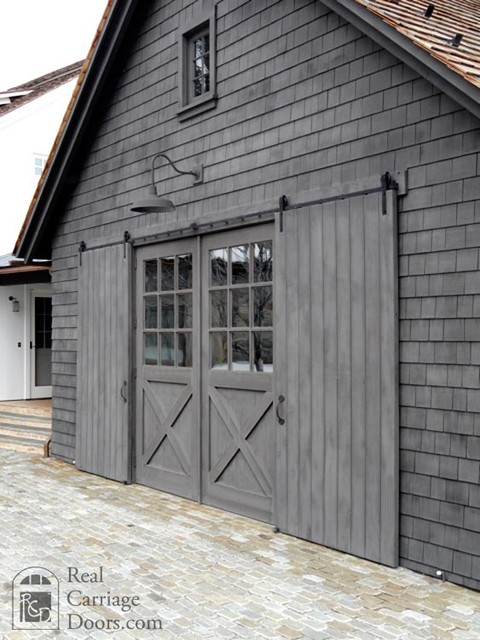 Sliding barn doors interior exterior rustic for Real carriage hardware