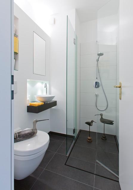 ideen f r kleine b der g ste wc mit dusche. Black Bedroom Furniture Sets. Home Design Ideas