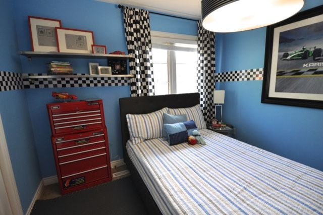 Car garage theme kids bedroom transitional toronto for Garage themed bedroom ideas