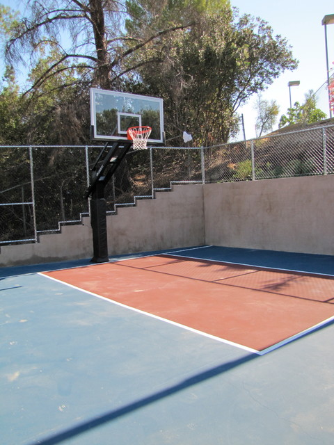 David 39 s pool and basketball court for Build your own basketball court