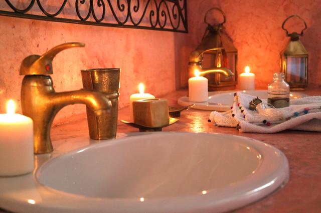 Salle de bain inspiration marocaine for Salle bain marocaine