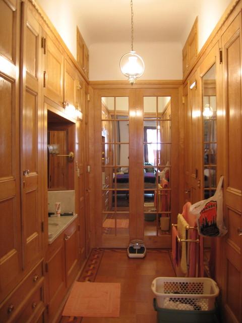 Ny central park townhouse bathroom for Townhouse bathroom designs