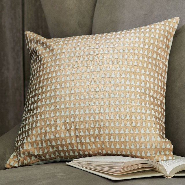 hand blocked triangle pillow cover modern scatter cushions by west elm. Black Bedroom Furniture Sets. Home Design Ideas