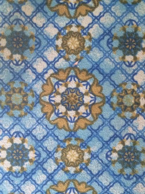 What color walls to match this crazy carpet i kinda dig for Crazy carpet designs