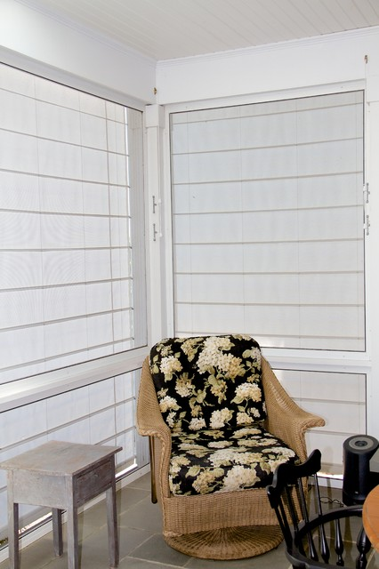 Screen porch shades keep the sun and wind out beach for Screen porch window treatments