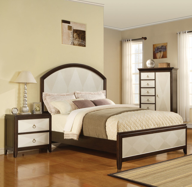Audry Two Tone Panel 5 PC Traditional Bedroom Set