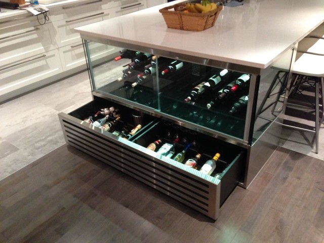 GORUP SIGNATURE Custom micro glass wine cellar - Private ...