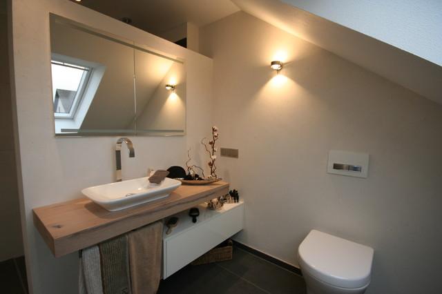 Bad Modern Dachschrage ~ Raum Haus Mit Interessanten Ideen Bad Dachschrage Modern
