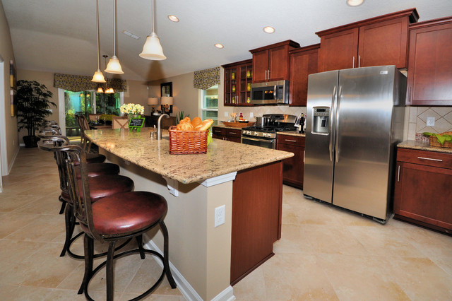 Brookwood at nocatee tropical kitchen jacksonville for Brookwood kitchen cabinets