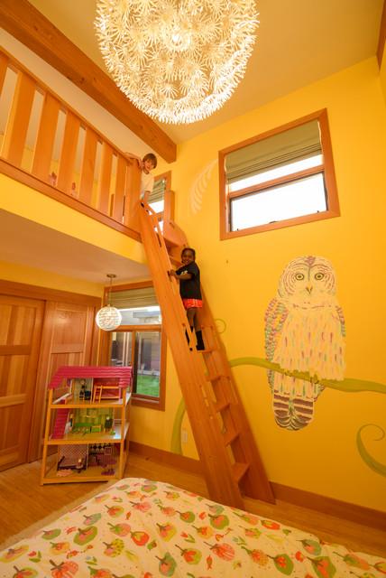 Modern Bend Oregon Home Kids Bedroom