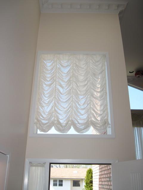 Window treatments custom fabric shades roman austrian for Fabric window blinds designs