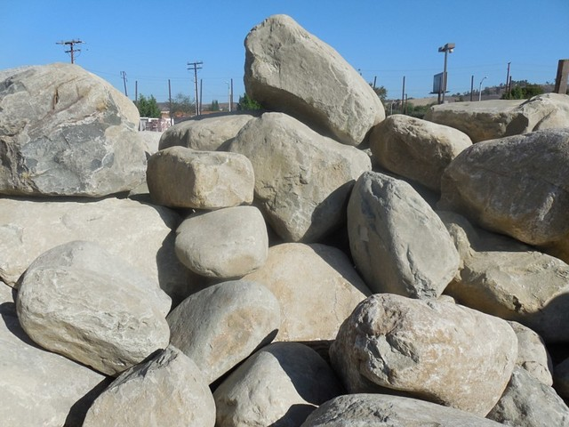 Landscaping rocks in los angeles decomposed granite for Landscaping rocks in los angeles