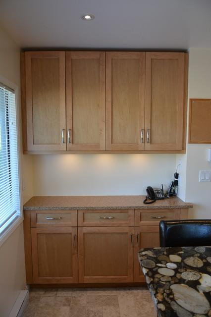Maple shaker kitchen in Gordon Head Contemporary