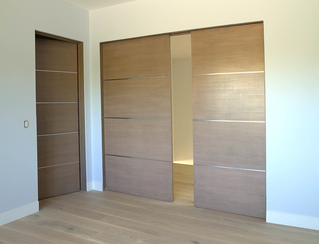 Contemporary doors works contemporary interior doors for Closet doors los angeles